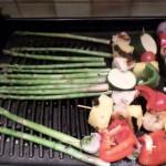 Grillowane szparagi i szaszłyki
